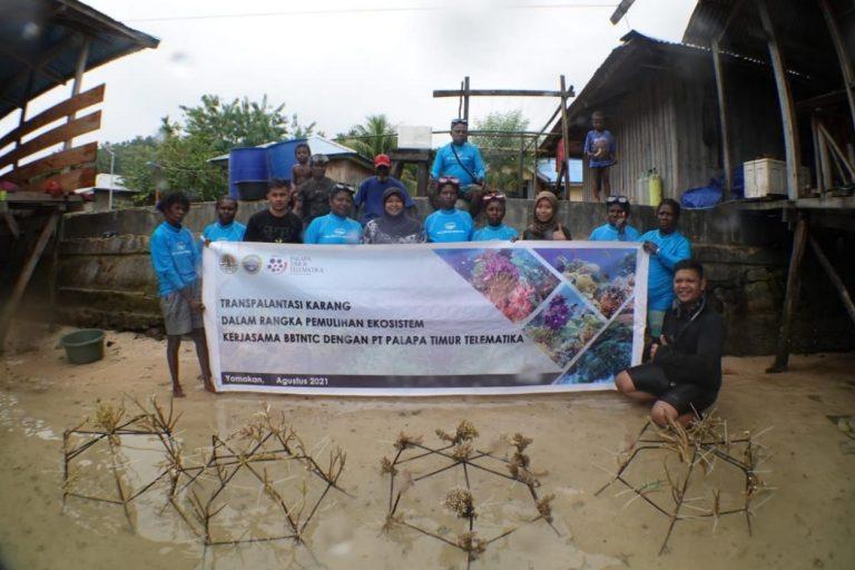Transplantasi Karang Dalam Rangka Pemulihan Ekosistem Kerjasama Balai Besar Taman Nasional Teluk Cenderawasih dengan PT. Palapa Timur Telematika